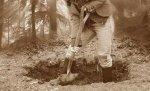 Под Волгоградом мать двоих детей убила и закопала своего пьянчугу-брата