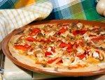Пицца с запеченной курицей и перчиком