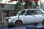 В Сочи эвакуировали авто вместе с водителем