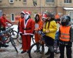 Ростовчане устроили велопробег в новогодних костюмах