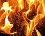 Мусор во дворе стал причиной возгорания дома в Азовском районе
