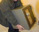 Житель Таганрога пытался украсть из офиса ООО «Джет» сейф