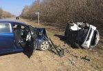 Лоб в лоб столкнулись Hyundai Solaris и KIA Rio на дороге Шахты-Новочеркасск, три человека погибли