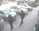 В Ростове ищут взломщиков, обокравших автомобиль в центре города