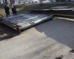 В Ростове-на-Дону строительный кран снес ворота