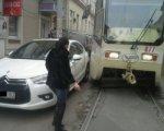 В Ростове автоледи парализовала дорожное движение по ул. Станиславского