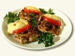 Свиные отбивные с грибами и сыром