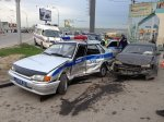 В Сочи иномарка протаранила автомобиль ДПС
