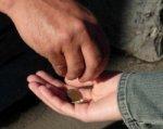 В Ростовской области мать заставляла попрошайничать 12-летнюю дочь