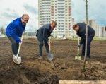 В микрорайоне Суворовском ростовчане заложили парк в честь юбилея Победы