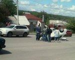 В Ростове на Текучевском мосту иномарка въехала в парапет и перевернулась