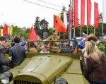 В Ростове работают две выставки военных автомобилей и вооружения