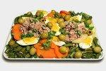 Салат из овощей с тунцом