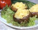 Печеный картофель, фаршированный сыром