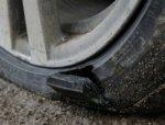 В Ростове задержали мужчину, резавшего ножом шины автомобилей