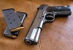 В г. Шахты ребенок выстрелил себе в голову из пистолета
