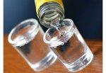 За отказ распить 1,5 литра водки житель г. Шахты зарезал соседа
