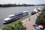 Вор ограбил теплоход, но утонул с «добром» на набережной в Ростове