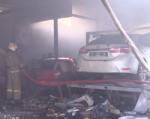 В Ростове в результате пожара складов на 22-й Линии сгорело около 10 машин