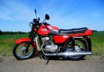 В г. Шахты перевернулся мотоцикл, наехав на бордюр
