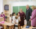 В Ростове родители не дали директору школы уволить учителя