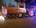 В Ростове бензовоз врезался в железнодорожный мост