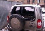 Разбив стекло «Нивы» в г. Шахты, парень похитил имущество на 26 тысяч рублей