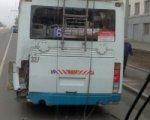 На проспекте Нагибина в ДТП с участием маршрутки и троллейбуса пострадали трое