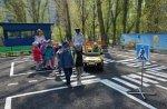 В Белой Калитве для воспитанников детского сада и школьников провели практическое занятие по ПДД