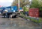 В г. Шахты упал контейнер с КАМАЗа