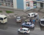 В Ростове водитель Hyundai County протаранил две припаркованные иномарки