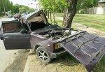 В городе Шахты врезался в дерево ВАЗ-2107, водитель погиб