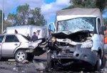 Mercedes врезался в «Газель» на «встречке», водитель отечественного авто погиб