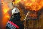 В г. Шахты спасли двоих из огня в частном домовладении на улице Пионерской