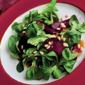 Сашими из свеклы с салатом корн и медово-горчичной заправкой рецепт