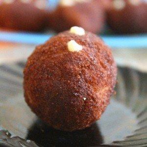 Пирожное «Картошка» из домашнего бисквита рецепт