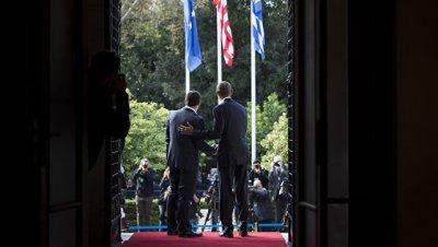 Обама обсудил с премьером Греции сохранение санкций против России