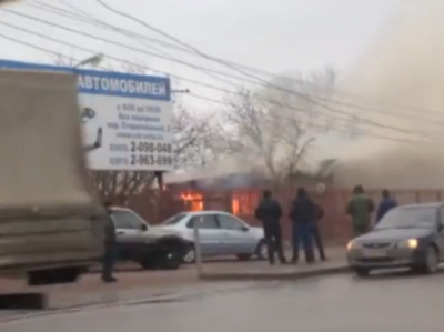В Ростове на Западном потушили пожар в частном доме