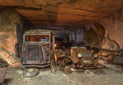 Во Франции нашли тайник со спрятанными во время Второй мировой войны автомобилями