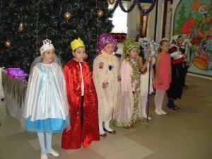 В Белой Калитве отделение Красного Креста подарило праздник детям из малообеспеченных семей