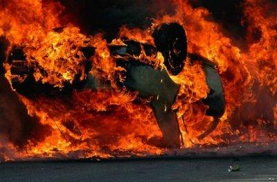 Мужчина сгорел в своей машине в Ростовской области