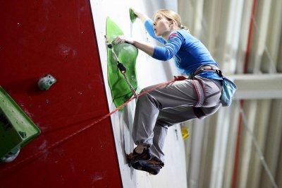 В Белокалитвинском многопрофильном техникуме состоялись соревнования по скалолазанию
