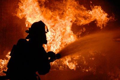 В г. Шахты произошел пожар в цехе завода