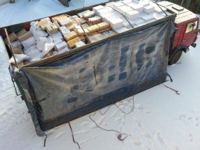 Украинцы пытались ввезти в Ростовскую область санкционный сыр, шоколад и алкоголь