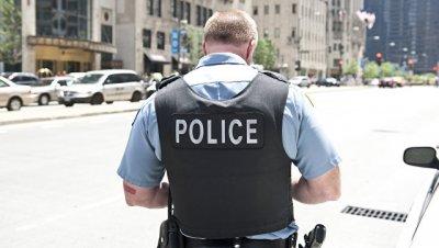 Во время погони в США в чернокожего юношу стреляли не менее 12 полицейских