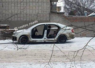 Со Skoda-Rapid сняли все двери ночью в Ростове