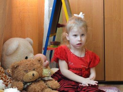 Больше тысячи детей собирают деньги для парализованной девочки из Ростовской области