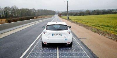 Во Франции дорогу вымостили солнечными батареями