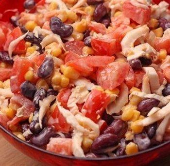 Салат из китайской капусты с помидорами и фасолью