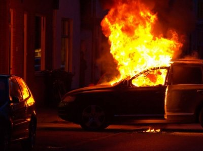 В Ростове сгорела Mazda
